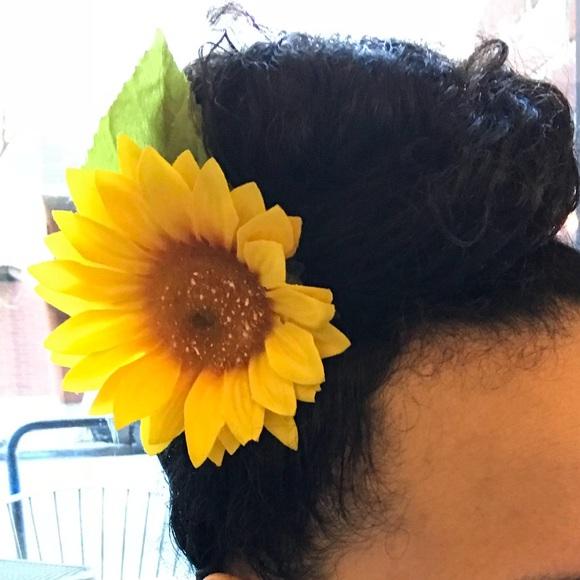 bebd04132046a Realistic Sunflower hair clip cute kawaii fairykei
